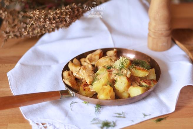 Papricas din piept de pui si cartofi aurii