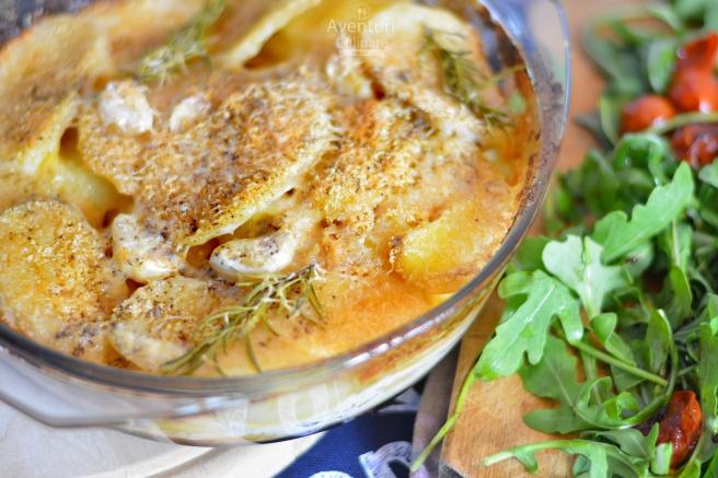 Cartofi gratinati cu usturoi si rozmarin
